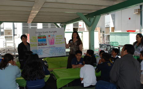 Vernon School Earth Day 2011 026.jpg