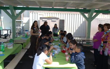 Vernon School Earth Day 2011 035.jpg